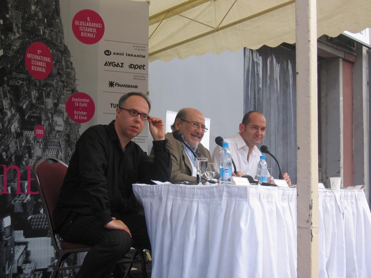 Charles Esche (l), Vasif Kortun (r), Istanbul Biennale Pressekonferenz
