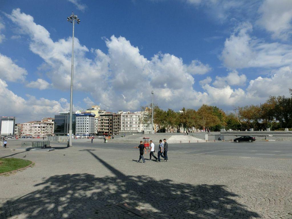 Taksim Square mit Gezi-Park