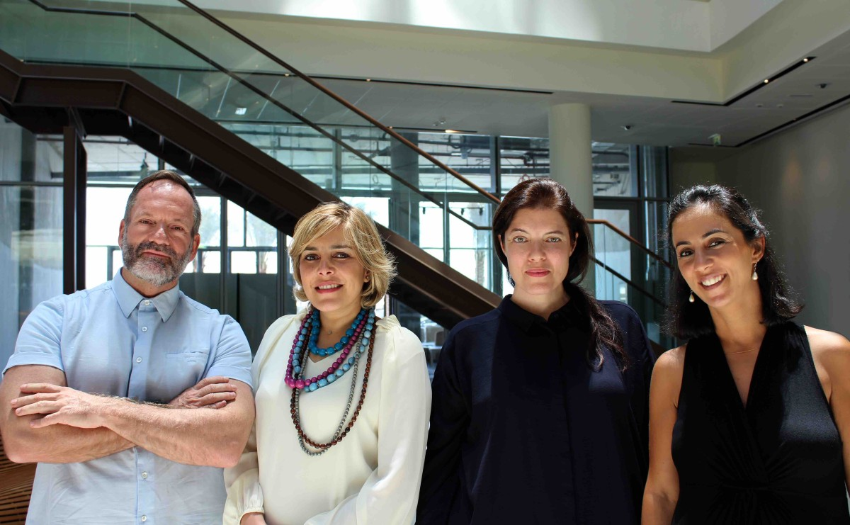 Team Art Dubai: (vlnr) Pablo del Val, Myrna Ayad, Antonia Carver, Lela Csaky