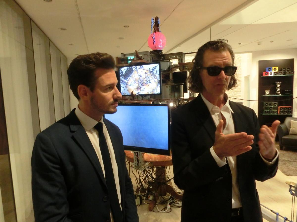Jon Kessler (r) und Uhrmacher Adriano Toninelli // SBV