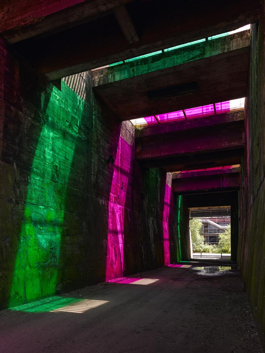 Daniel Buren, The Sun In The Tunnel, 2013, Installationsfoto im Möllerbunker im Landschaftspark Duisburg-Nord. Foto Roman Mensing, Emscherkunst