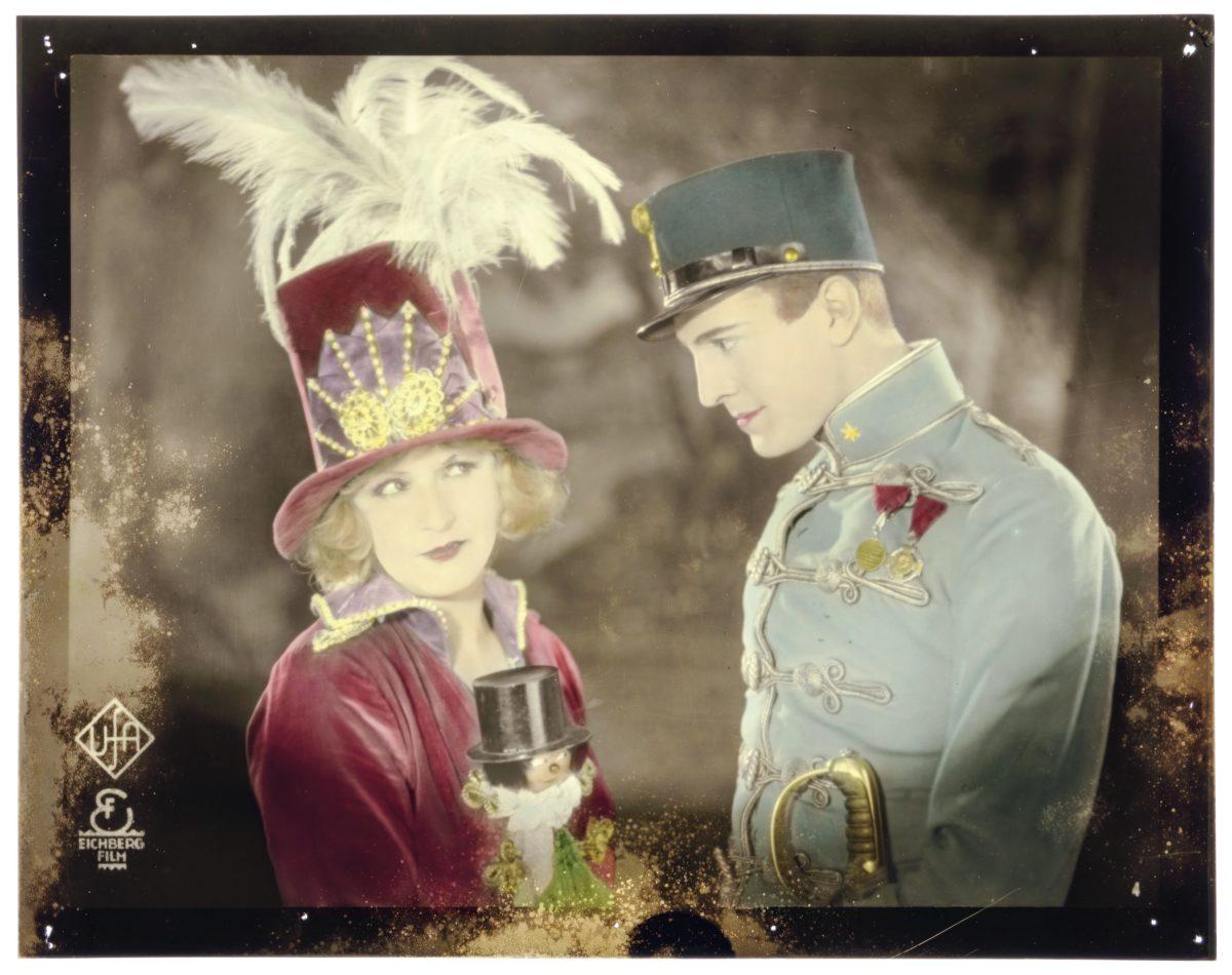 """Xenia Desni, Werner Fuetterer in """"Durchlaucht Radieschen"""", 1927, Regie/Drehbuch Richard Eichberg. Co Österreichisches Filmmuseum, Wien"""