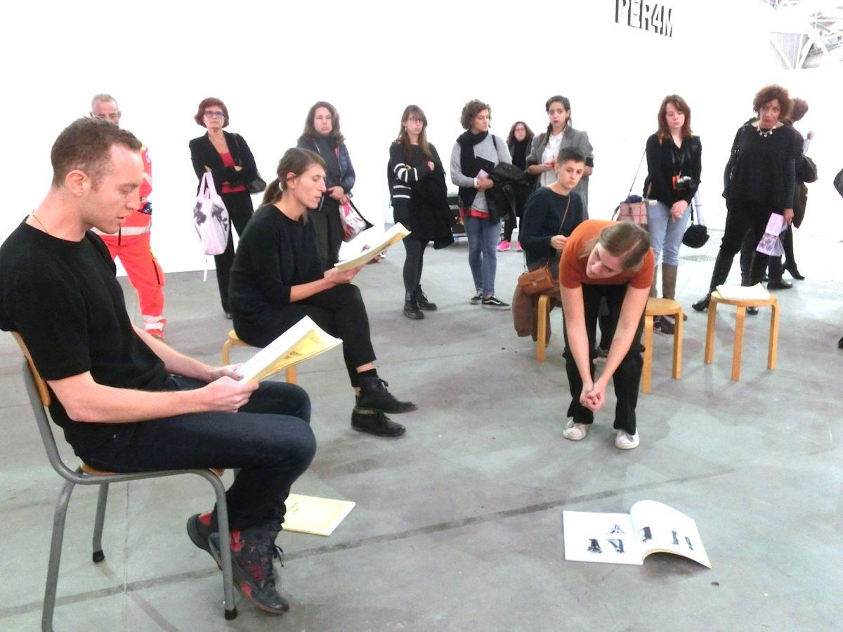 Performance von Dora Garcia, Galerie Ellen de Bruune, Amsterdam // SBV
