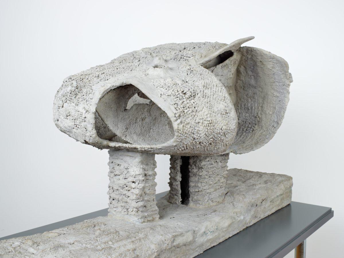 Friedrich Kiesler, Modell des Endless House, 1959 Beton, Maschendraht. Sammlung Dieter und Gertraud Bogner im mumok seit 2017. Foto mumok