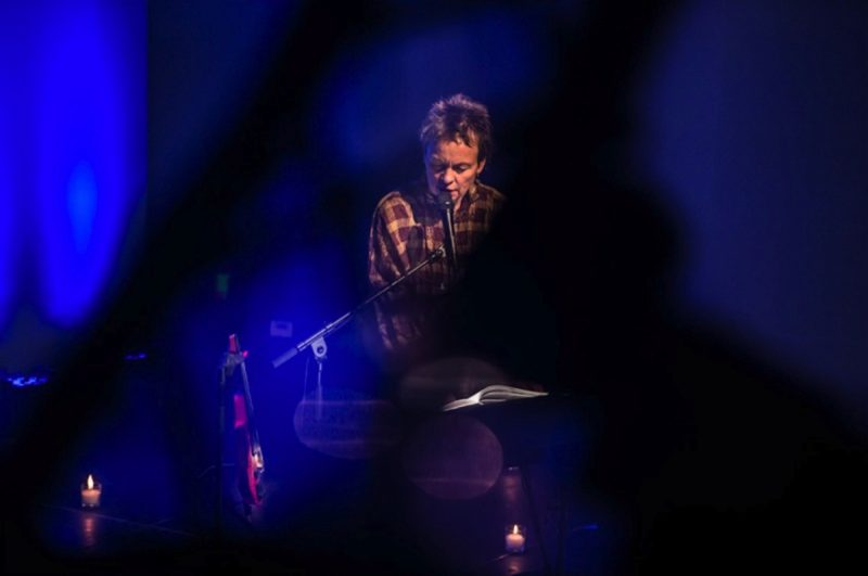 Laurie Anderson, Donating a Custom Song, Schätzpreis $ 15.000-20.000