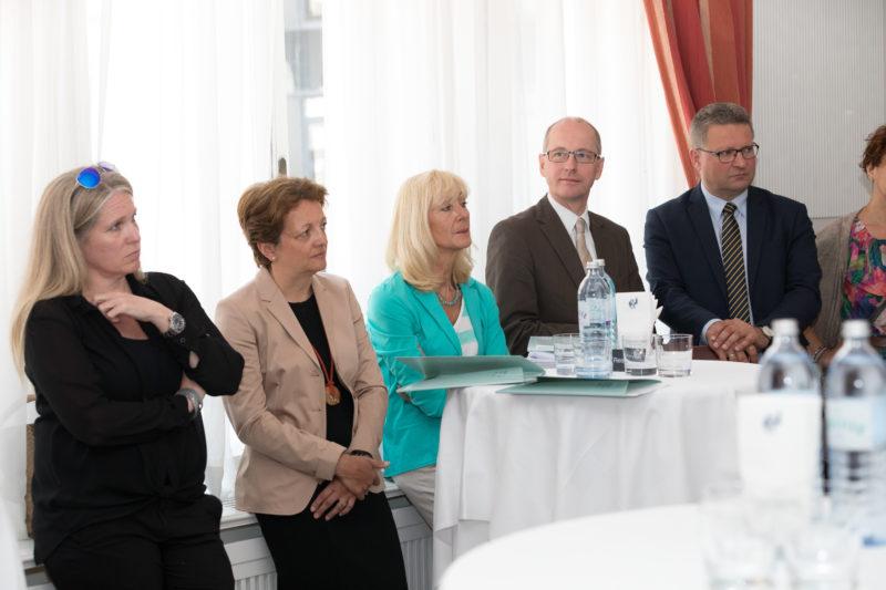 Wien - Das FORUM MORGEN, die neue Denkwerkstatt für überregionale Zukunftsfragen, wurde der Öffentlichkeit präsentiert.