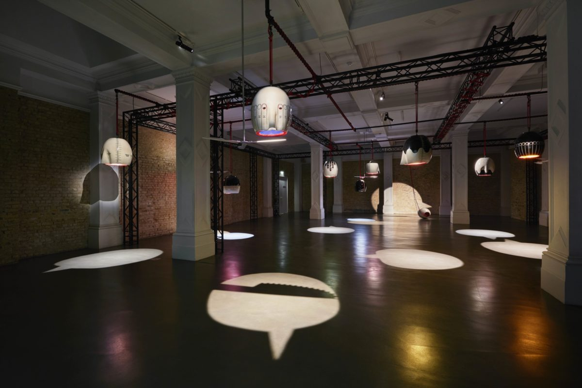 Emma Hart, Mamma Mia!, Installationshot at Whitechapel Gallery, Foto Thierry Bal