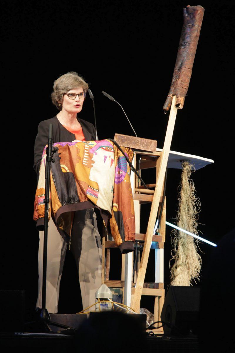 Annette Kulenkampf auf der d14 PK in Athen. Foto Wolfgang Träger