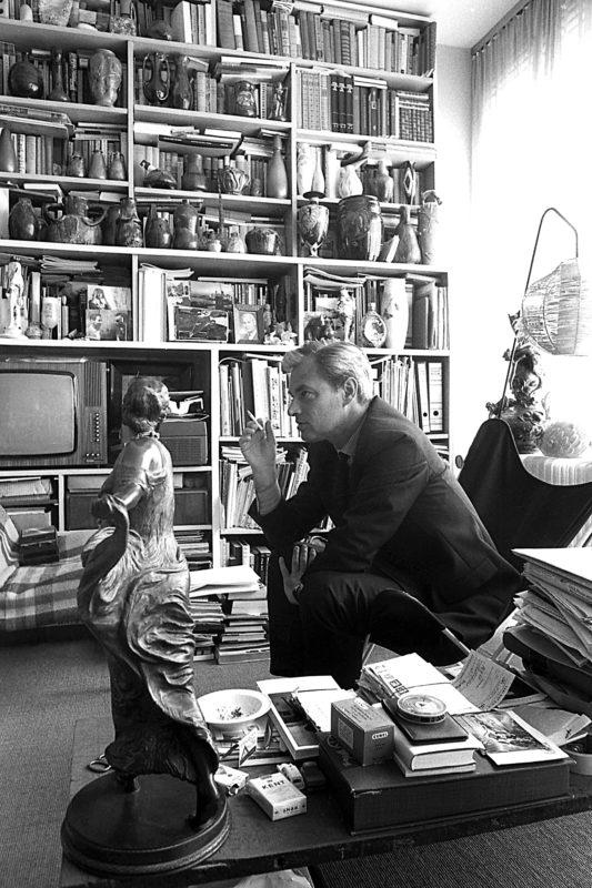 Wolfgang Hahn im Wohnzimmer seines Kölner Wohnhauses, 1968 © Photo: Rainer K. Wick, 1968