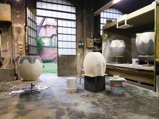Emma Hart, Mamma Mia! Work in progress, Museo Carlo Zauli, Faenza. Foto Emma Hart Courtesy of the Artist