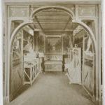 Charles Spindler (1865-1938), Salon de musique, Paris, 1900, Exposition universelle. Photographie, 1900 (Archives privées)