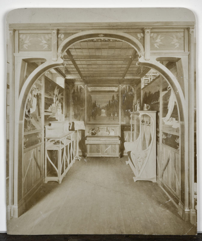 Charles Spindler (1865-1938), Salon de musique, Paris, 1900, Exposition universelle. Photographie, 1900 (Archives privées)