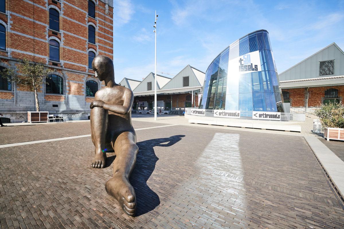 Henk Visch, Das Kino, 2011, Bronze. Tim Van Laere Gallery. Foto Art Brussels