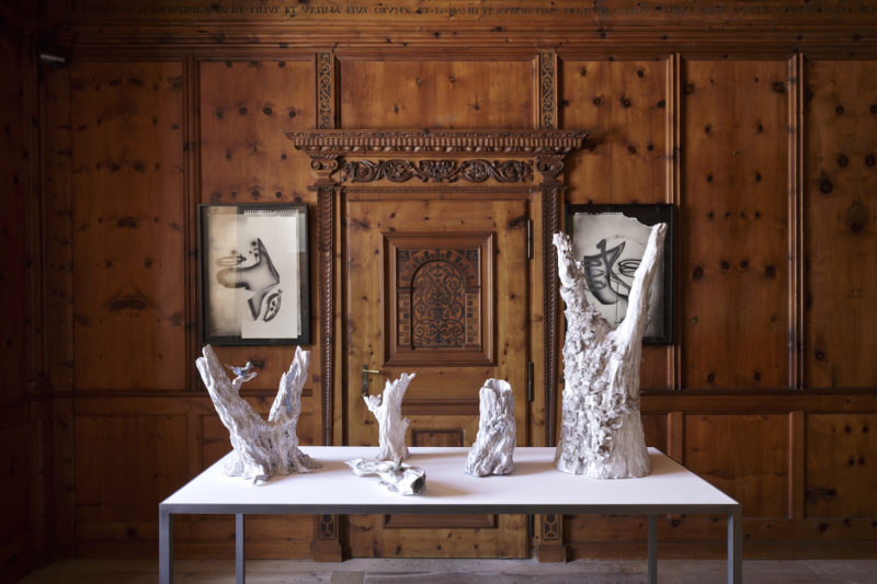 Gallery Almine Rech mit Objekten von Matt Maggis, NOMAD St. Moritz 2019