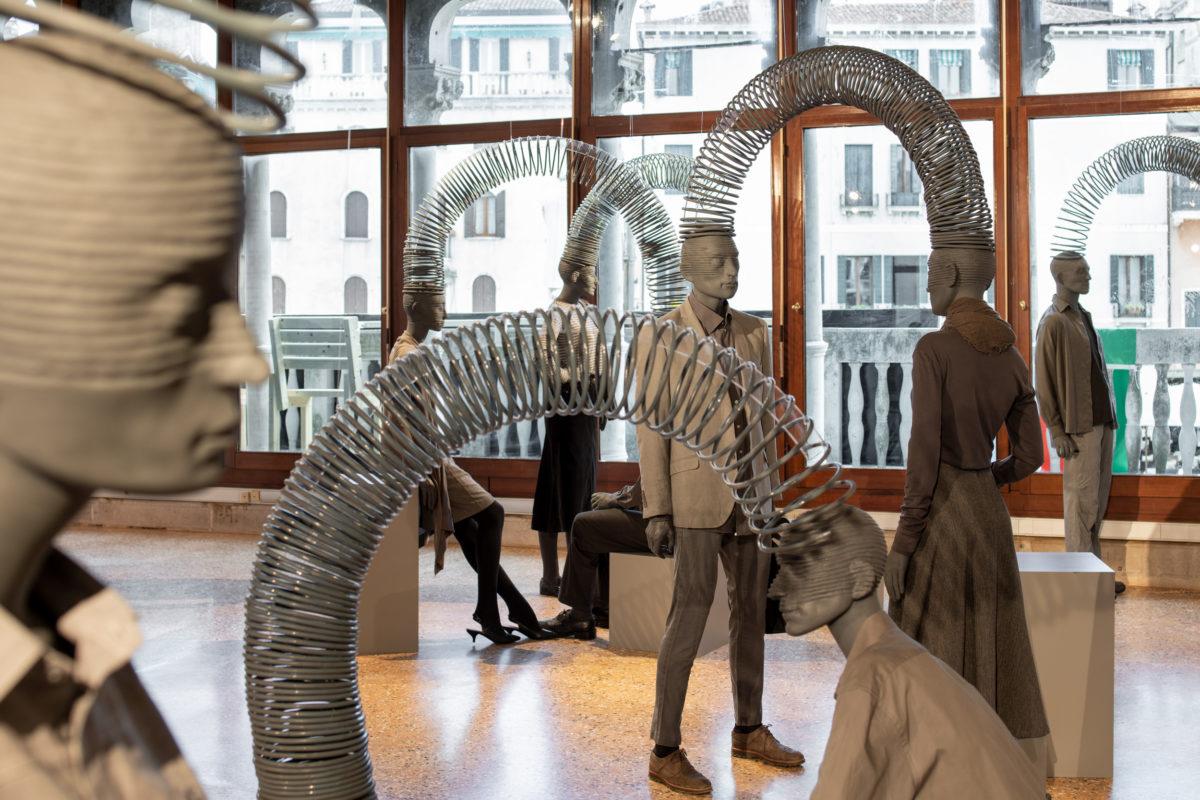 Ulviyya Aliyeva + Kanan Aliyev, Slinky Effect, Aserbaidschan Pavillon, 58. Venice Biennale 2019