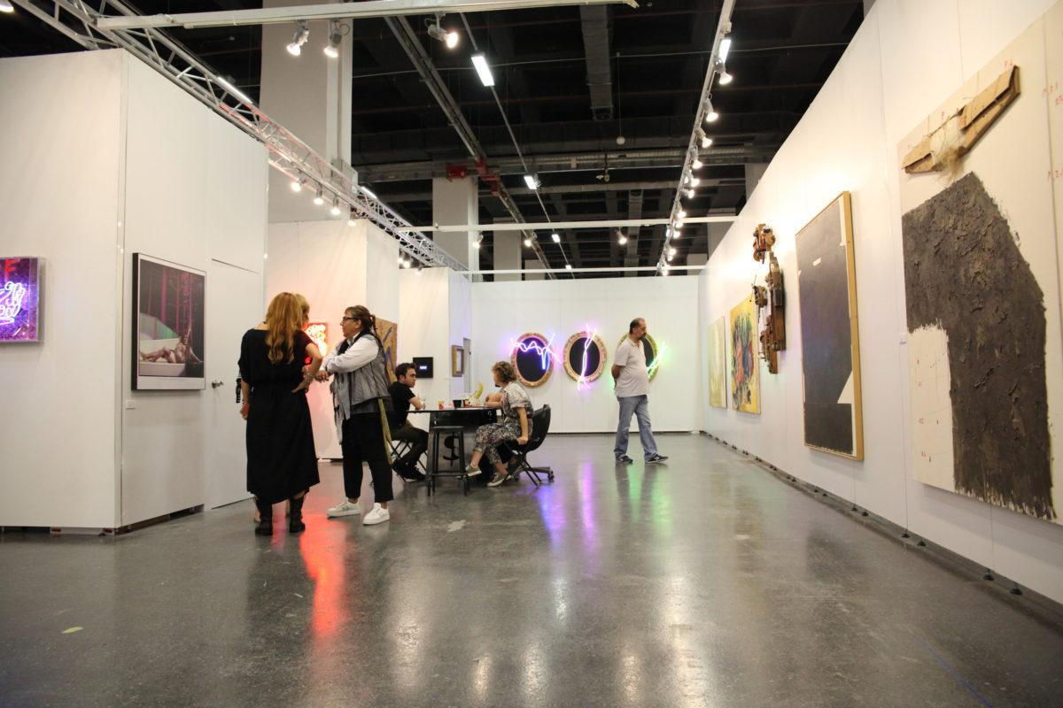 Stand der Galerie , Ankara, auf der 14. Contemporary Istanbul. Foto M. Sercan Karatas Ibrahim Esmer