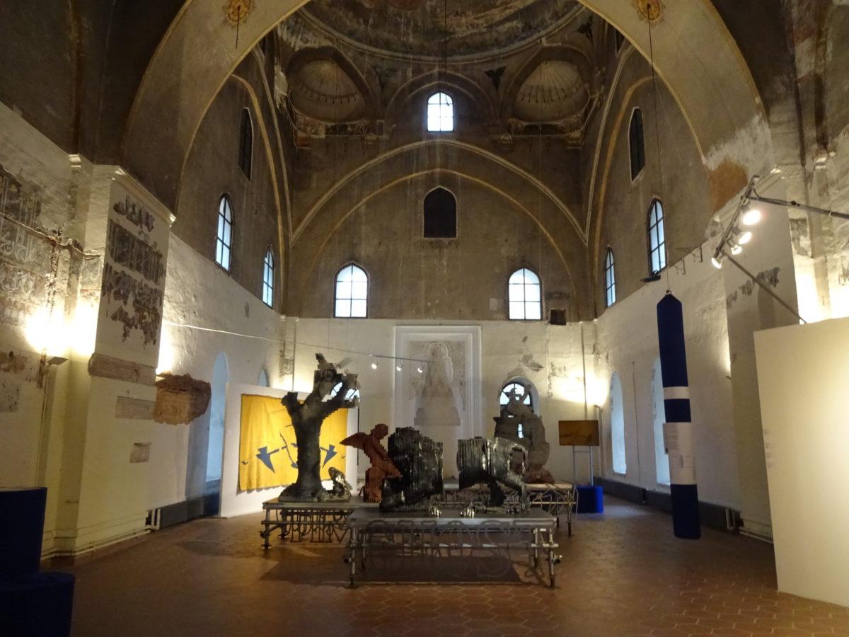 7. Thessaloniki Biennale, Alatza Imaret mit Werken von Petros Moris, Hypercomf, Johan Grimonprez, Nicolas Kozakis & Raoul Vaneigem // SBV