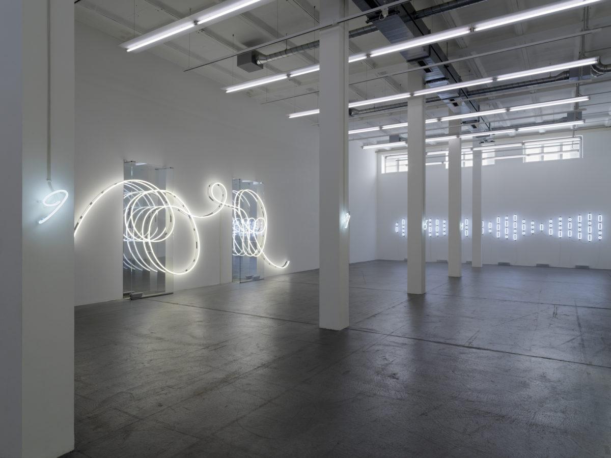 Brigitte Kowanz, Ausstellungsansicht Museum Haus Konstruktiv, 2020. Foto Stefan Altenburger, ProLitteris, Zürich, Studio Brigitte Kowanz