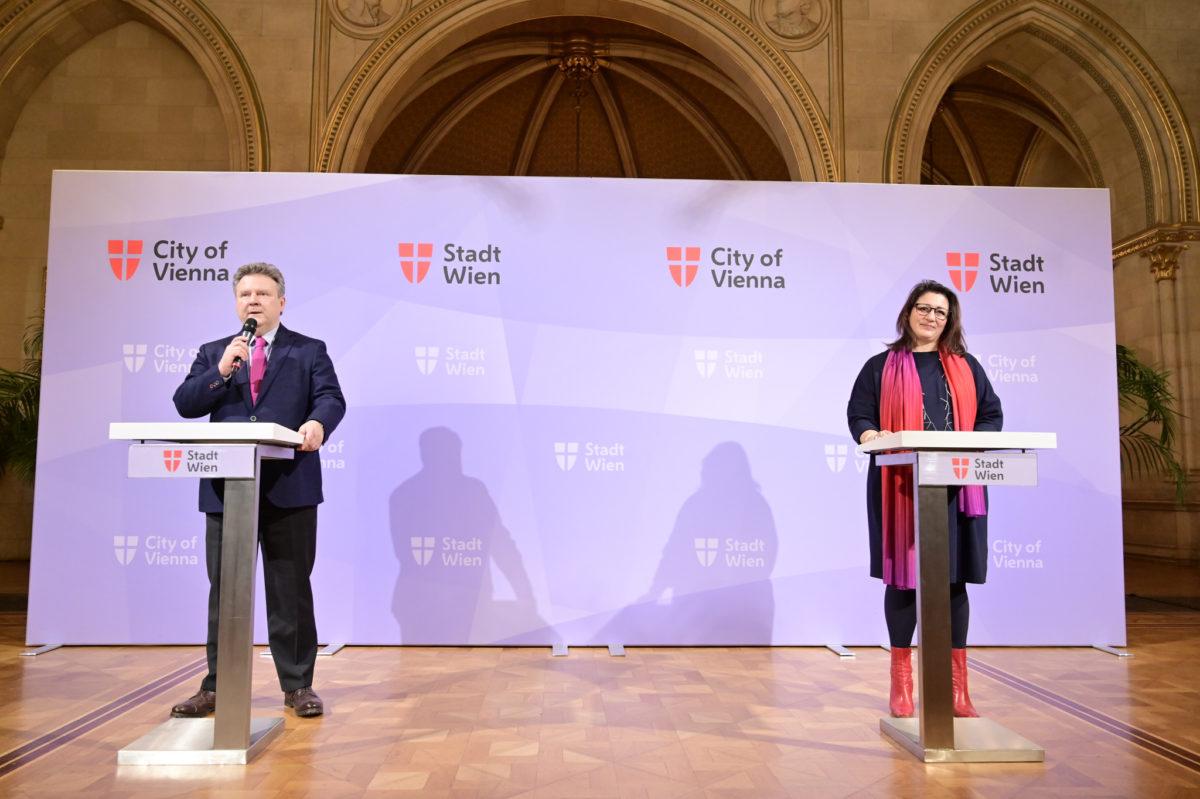 Bürgermeister Ludwig und Stadträtin Kaup-Hasler. (c) Christian Jobst