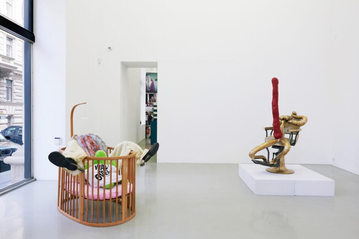 Meyer Kainer Galerie Exhibition Curated By Kris Lemsalu & Sarah Lucas. Foto: Marcel Koehler