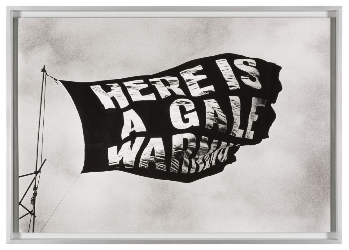 ROSE FINN-KELCEY, Here is a Gale Warning, 1971-2011, Silver Gelatin Druck, Courtesy Kate MacGarry, London. Artissima 2020