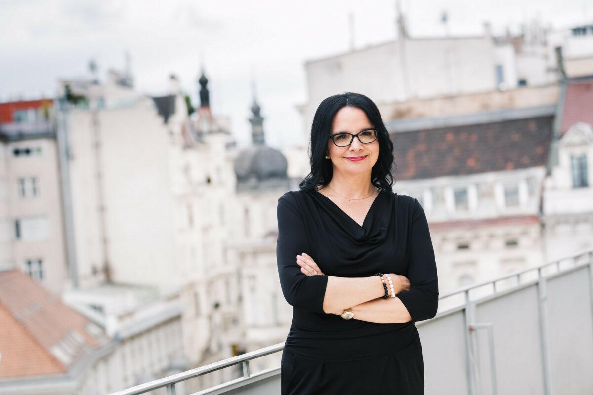 Staatssekretärin Andrea Mayer, Courtesy BMKÖS. Foto: Lechner / HBF