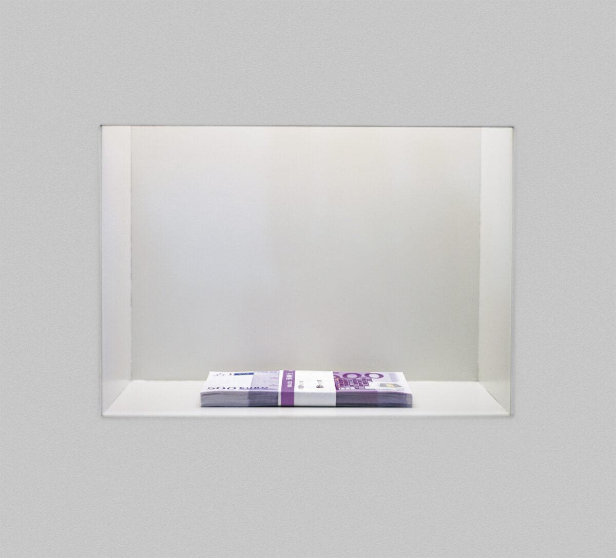 Maria Eichhorn, Maria Eichhorn Aktiengesellschaft, 2002, Detail, Ausstellungsansicht, Documenta11, Fridericianum, Kassel, © Maria Eichhorn / VG Bild-Kunst, Bonn 2021, Foto: Werner Maschmann