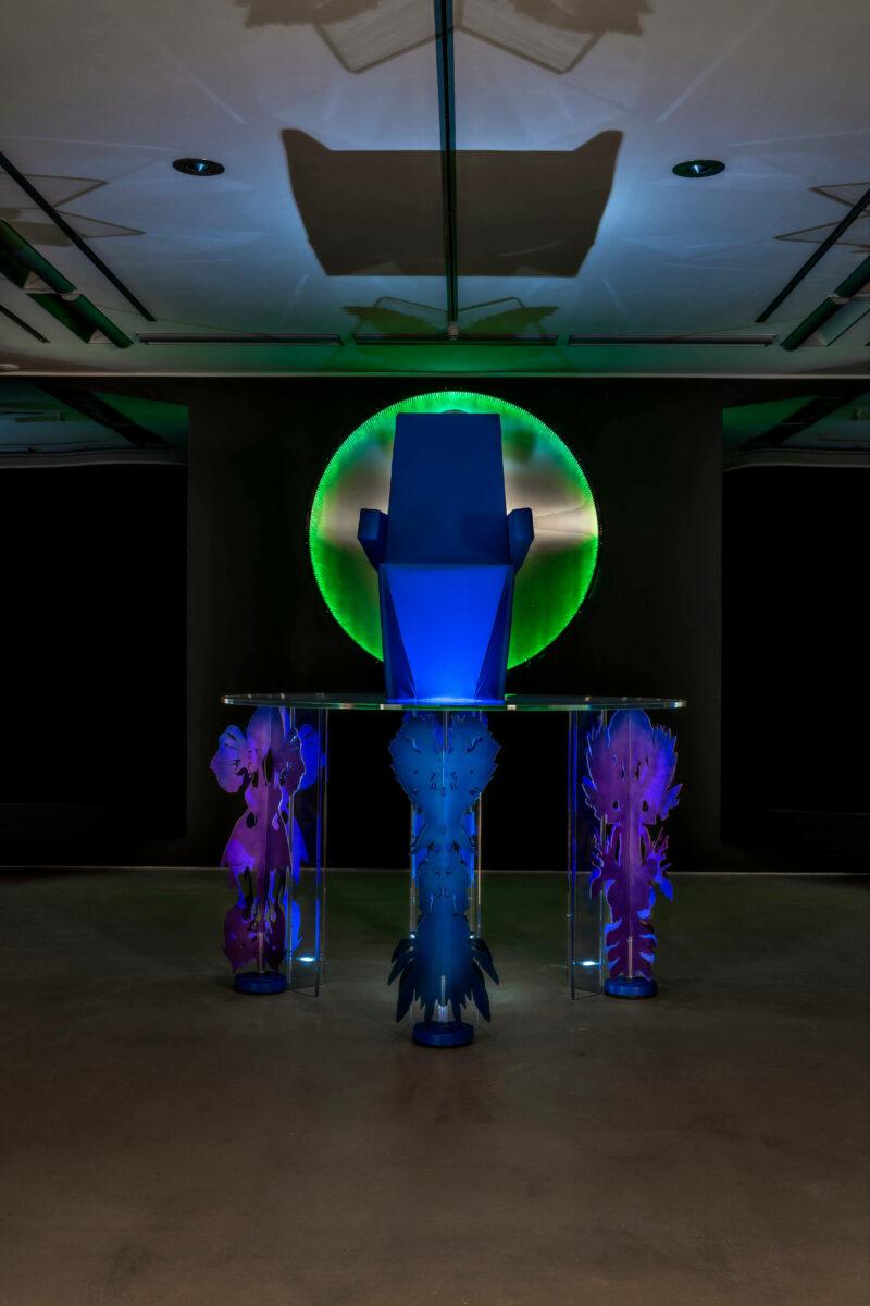 Neda Saeedi, Ezekiel dreams beyond repair, 2021. Multimedia-Installation In Auftrag gegeben von TAXISPALAIS Kunsthalle Tirol für HEXEN. Courtesy die Künstlerin Foto: Günter Kresser